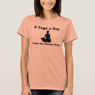 Ein Yoga ein Tag behält den Doktor Away Humorous T-Shirt