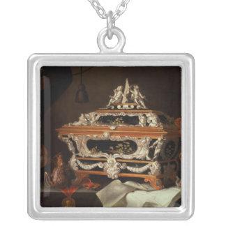 Eine Feier der Kunst des Goldschmieds Halskette Mit Quadratischem Anhänger