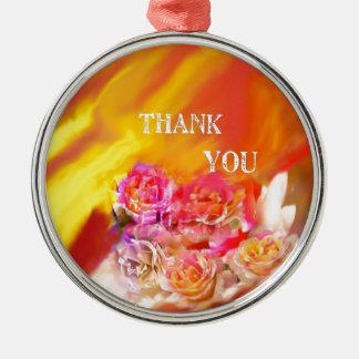 Eine Hand voll des Dankes neigt in Richtung zu Rundes Silberfarbenes Ornament