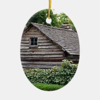 Eine Kabine im Garten Ovales Keramik Ornament