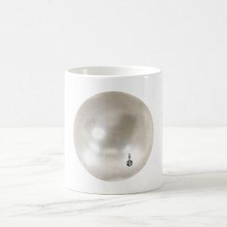 Eine Perle mit einem Mädchen-Ohrring Kaffeetasse