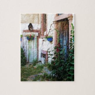 Eine schöne rustikale alte blaue Tür in KRETA, Gri