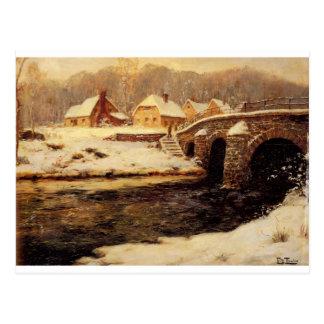 Eine Steinbrücke über einem Strom im Winter Postkarte