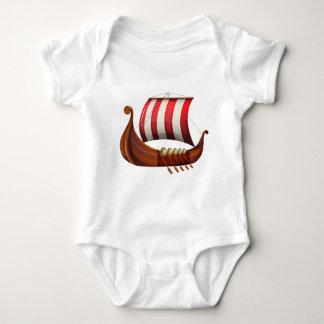 Eines Wikingers Schiff Baby Strampler