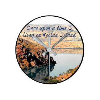 Einst lebte ich auf Koolan Inseluhr Runde Wanduhr