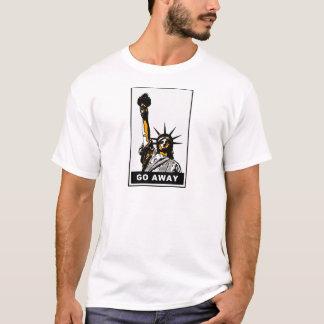 Einwanderer fällt draußen T-Shirt
