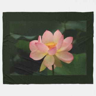 Einzigartige Zen-Garten-Rosa-Lotos-Blume Fleecedecke