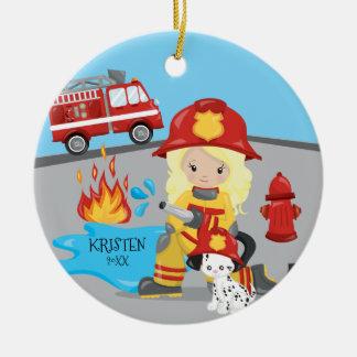 Einzigartiger Feuerwehrmann-blondes Rundes Keramik Ornament