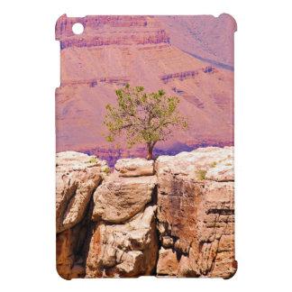 """""""Einziger Baum auf Schlucht-Ridge"""" Sammlung iPad Mini Hülle"""