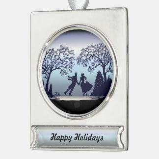 Eis-Skaten im Park - Silhouette Banner-Ornament Silber