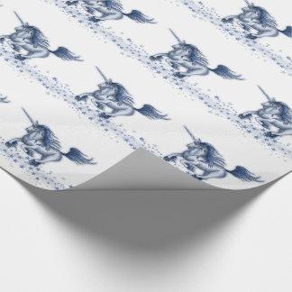 Eisiges galoppierendes Einhorn Geschenkpapier