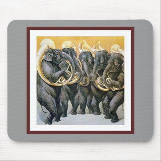 Elefant-Blaskapelle Mauspad