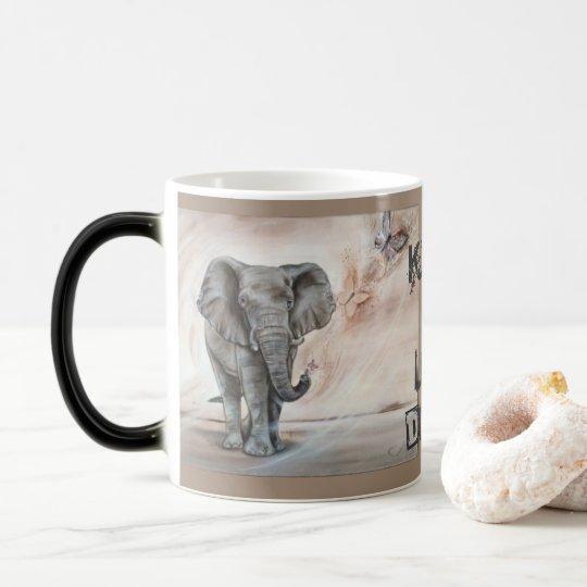 Elefant Schmetterling , Leichtigkeit und kratvoll Verwandlungstasse