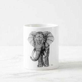 elefant zerteilt tasse