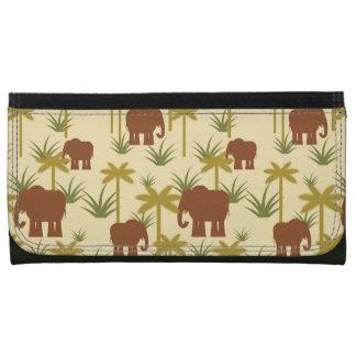 Elefanten und Palmen in der Tarnung
