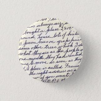 Eleganter Buchstabe handgeschrieben mit Liebe Runder Button 2,5 Cm