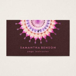 Eleganter Lotos-Blumen-Logo-Yoga-Brown-Hintergrund Visitenkarten