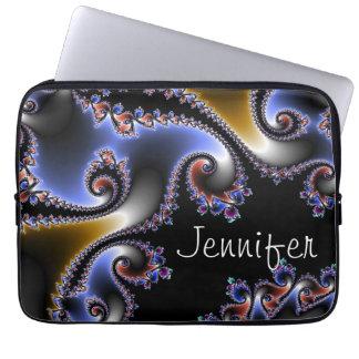 Elegantes blaues Schwarz-Goldstrudel-Namen-Fraktal Laptop Schutzhülle
