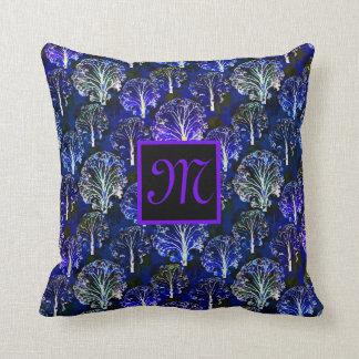 Elegantes blaues u. violettes mit Monogramm Kissen