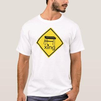 Elektrisches Klavier-synthesizer Xing Zeichen T-Shirt