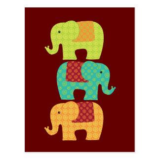 Éléphants ethniques avec des fleurs sur le rouge cartes postales