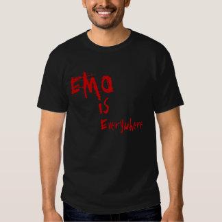 EMO, est, partout Tee Shirt