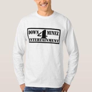 En bas T-shirt de douille de divertissement de 4