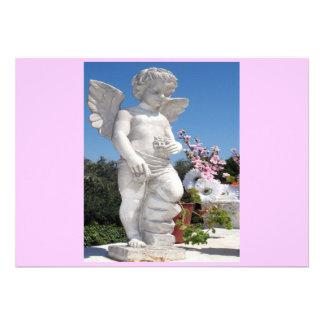 Engels-Statue im Rosa und im Grau Ankündigungskarten