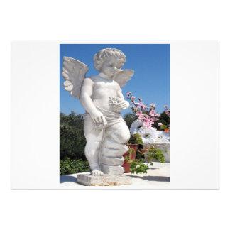 Engels-Statue in weißem und in Grau I Individuelle Einladungskarten