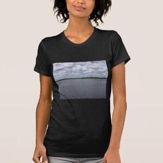 Entferntes Ufer T-Shirt