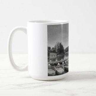 Entspannung in dem See Kaffeetasse