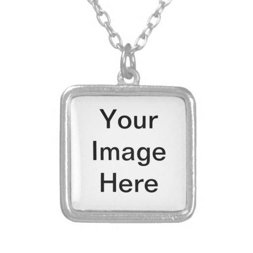 Entwerfen Sie Ihre eigene silberne quadratische Amuletten