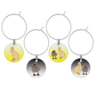 Entzückende gelbe und graue Entlein-Fotografien Weinglas Anhänger