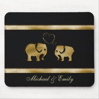Entzückende nette Elefanten in der Liebe Mauspads