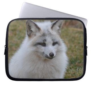 Entzückender weißer Fox Laptop Sleeve Schutzhülle