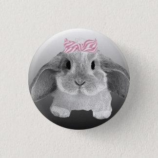 Entzückendes kleines Häschen mit einem rosa Bogen Runder Button 3,2 Cm