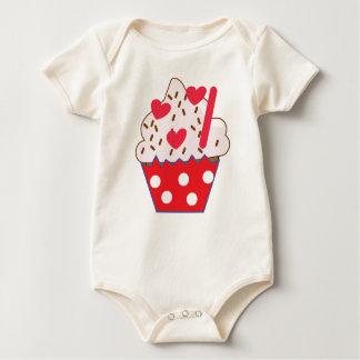 Erdbeerherzen KLEINER KUCHEN Baby Strampler
