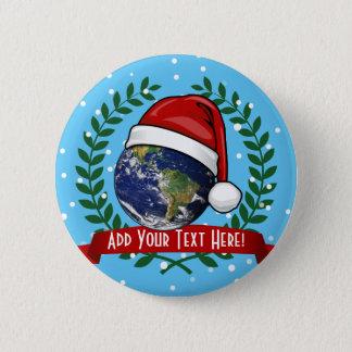 Erde, die ein Weihnachtsmannmütze-Weihnachten Runder Button 5,1 Cm