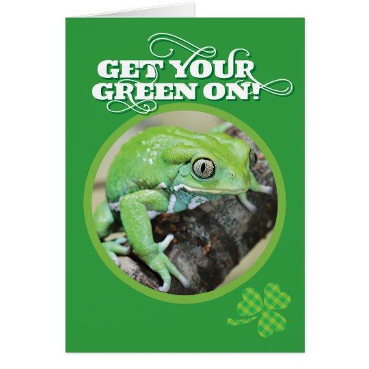 Erhalten Sie Ihr Grün auf Frosch St. Pattys Tages Grußkarte