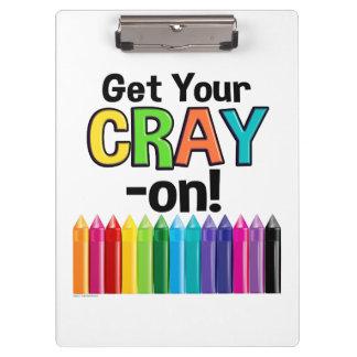 Erhalten Sie Ihren Cray auf Regenbogen-verrücktem Klemmbrett
