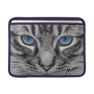 Ernste Katze mit blauem Eys kundengerecht Sleeves Fürs MacBook Air