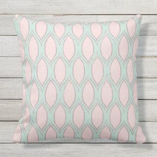 Erröten Sie und Mint modernes geometrisches Muster Kissen Für Draußen