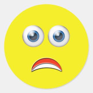 Erschrockenes Emoji Runder Aufkleber