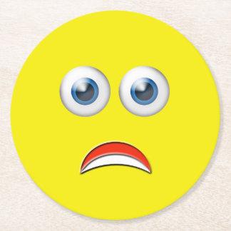 Erschrockenes Emoji Runder Pappuntersetzer