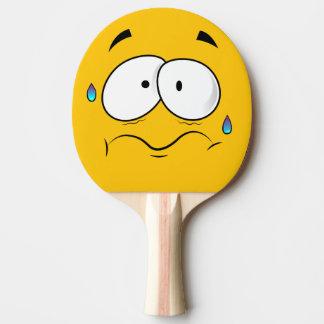 Erschrockenes gelbes Emoji Tischtennis Schläger