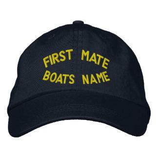 Erster Kamerad mit Ihrem Bootsnamen Bestickte Kappe