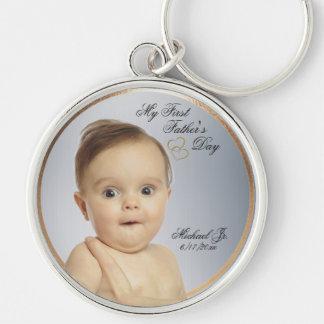 Erster Vatertag rundes Keychain - fertigen Sie Silberfarbener Runder Schlüsselanhänger
