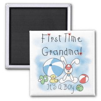 Erstes Mal-Großmutter der Jungen-T-Shirts und der Quadratischer Magnet
