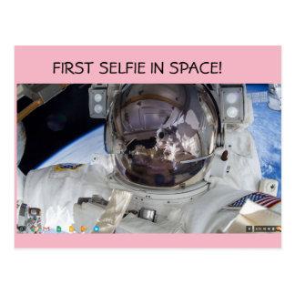 Erstes selfie im Raum! Postkarte