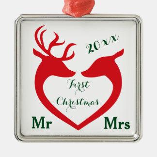 Erstes Weihnachtsverheirateter Herr und Frau Heart Quadratisches Silberfarbenes Ornament